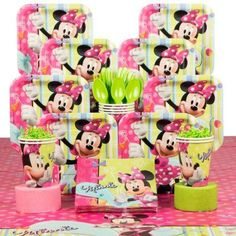 Minnie Birthday Party Deluxe Hoopla Tableware Kit Serves 8 - Party Supplies