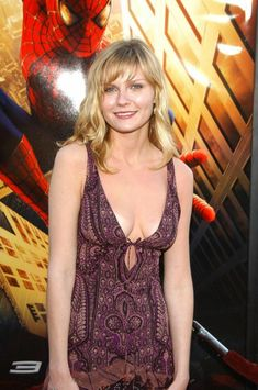 Kirsten Dunst,,, like I've stated earlier in this page of gorgeous posts ! No wonder Spider-Man loves her ! Kirsten Dunst, Beautiful Celebrities, Beautiful Actresses, Beautiful Women, Hollywood Actresses, Actors & Actresses, Interview With The Vampire, Actrices Hollywood, Sexy Hot Girls