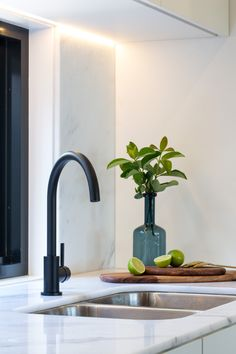 Meir's Round Matte Black Kitchen Mixer. For more, visit www.meir.com.au/ #MeirAustralia #MeirBlack #kitchen #matteblack
