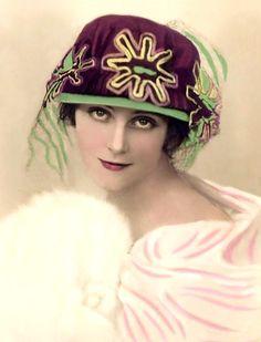 1920's Cloche. @designerwallace