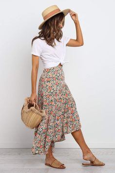 DETAILS midi length elasticised waist at back inviable side zip asymmetrical tiered gathered panels asymmetrical hem slight high low hem floral print unlined SIZING model is 5 7 and wears a Size 2 garment flat measurements Size 2 length - 295 w Trend Fashion, Fashion 2020, Look Fashion, Fashion Tips, Fashion Details, Fashion Ideas, Fashion Fashion, Fashion Hacks, Korean Fashion
