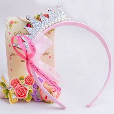 100% Brand New & High Quality Baby Headbands Perfect for photo shooting of your little girl.  If you have any questions send me a message, and thanks for visiting my Etsy shop.  Technical description :  Color : Silver  Diameter : Approx 12cm/4.7  Materials : Plastic