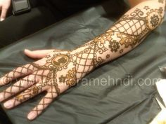 AAA! Two of my favorite subjects!  Henna and Steampunk!  Sweet...!