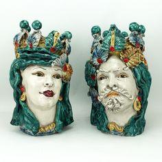"""Coppia di Teste in ceramica di Caltagirone. Collezione """"Verus"""".  Vendibili anche singolarmente.   Dim. cm 28 x H. cm 38"""
