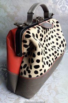 Louis Vuitton Monogram Empreinte Leather Pochette Metis Handbag Article: Made in France – The Fashion Mart Tote Handbags, Purses And Handbags, Leather Handbags, Leather Bag, Fashion Bags, Fashion Accessories, Sacs Design, Designer Shoulder Bags, Mode Style