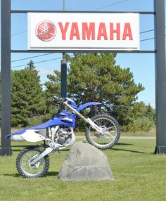 Race Rocks..  Lightweight display boulders for cycles, Jeeps, sporting goods and more.