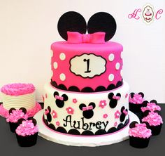 Minnie Mouse First Birthday Cake in Hot Pink & Black with matching cupcakes and baby smash cake