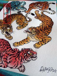 tattoos in japanese prints Japanese Tattoo Meanings, Japanese Tattoo Designs, Tattoo Designs And Meanings, Japanese Tiger Tattoo, Japanese Sleeve Tattoos, Yakuza Tattoo, Tattoo Arm, Japanese Prints, Japanese Art