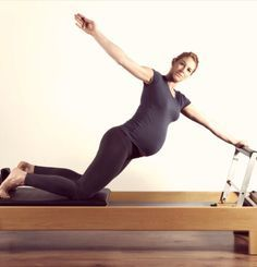 We hear from the experts, 5 ways that Pilates During Pregnancy Can Help You, your body & your future health. Pilates during pregnancy can reduce pelvic pain Prenatal Pilates, Pregnancy Pilates, Le Pilates, Pilates Reformer Exercises, Joseph Pilates, Pilates Video, Pregnancy Workout, Pilates Workout, Pilates Training