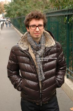 Image Photos, Winter Jackets, Fashion, Fashion Styles, Winter Coats, Moda, Pictures, Winter Vest Outfits, Fashion Illustrations