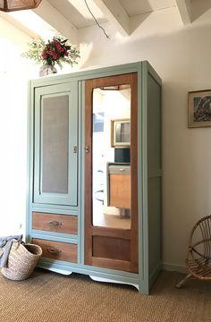Furniture Diy, Vintage Armoire, Painting Furniture Diy, Diy Furniture Renovation, Painted Furniture, Vintage Cabinets, Furniture Renovation, Furniture, Furniture Inspiration