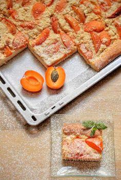 Žĺtkové rezy • recept • bonvivani.sk Czech Recipes, Pound Cake, Plastic Cutting Board, Tea Party, Baking, Cookies, Kitchen, Food, Fruit Cakes