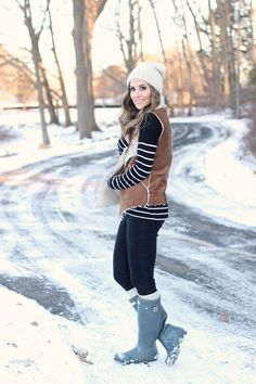 Hunter gummistiefel Why we Need to Take Risks It does not matter if you are a Doctor, a Lawyer or an Winter Wear, Autumn Winter Fashion, Winter Style, Fall Fashion, Fur Vest Outfits, Fall Outfits, Old Navy Boots, Hunter Outfit, Shearling Vest