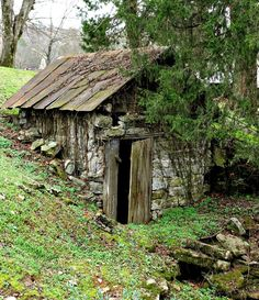 cabins and homesteads | Old Cabin in Tennesse