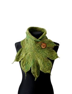 Felt Scarves – felted scarf shawl, woolen scarf, felted collar – a unique product by feltmondo on DaWanda Flower Costume, Woolen Scarves, Needle Felting Tutorials, Fairy Clothes, Felt Purse, Fantasy Costumes, Sewing Leather, Wool Felt, Felted Wool