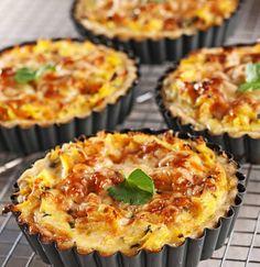 Baking/Leivonta: Beet root and cheese pie/Juuresjuustopiiraat Pizza Nachos, Savory Pastry, Cheese Pies, Salty Snacks, Baking Recipes, Quiche, Food And Drink, Vegetarian, Eat