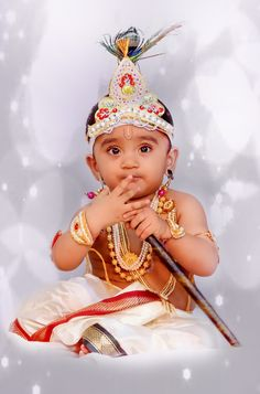Kid in Lord Krishna Attire Little Krishna, Baby Krishna, Cute Krishna, Krishna Leela, Lord Krishna, Baby Shower Photography, Cute Babies Photography, Cute Baby Girl Pictures, Baby Boy Photos