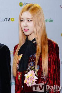 #ROSE at Melon Music Awards #MMA2016 #BLACKPINKonMMA