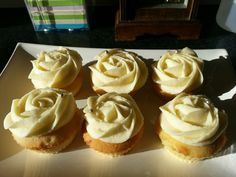 Vanilla rose swirl cupcakes