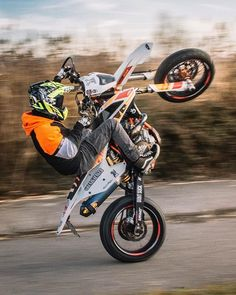 friends help promote the community I live in / which I want to share with those who are interested and truly are part of life Enduro Motocross, Enduro Motorcycle, Motorcycle Design, Motorcycles In India, Dirt Bike Room, Ktm Dirt Bikes, Biker Photography, Bike Photoshoot, Stunt Bike