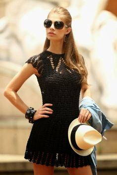#102 Vestido Negro a Crochet