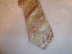 Nice Hugo Boss Gold Multi Color Paisley Hand Made 100% Silk Men's Tie #HUGOBOSS #Tie