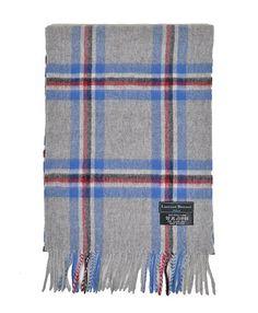100% wolle sjaals van het merk Laurant bennet.