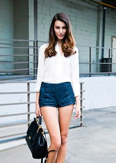 Kate King - have always loved this look of white shirt with denim Star Fashion, Fashion Beauty, Womens Fashion, Short Outfits, Stylish Outfits, Demin Outfit, My New Haircut, Really Cute Outfits, Hot Pants