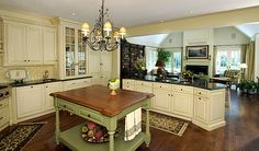 Stunning French Country Kitchen Cabinets Cream - Page 30 of 49 - Margaret Decor French Country Kitchen Cabinets, French Country Kitchen, Kitchen Decor, English Country Kitchens, New Kitchen, Country Kitchen, Home Kitchens, Traditional Open Plan Kitchens, Kitchen Design