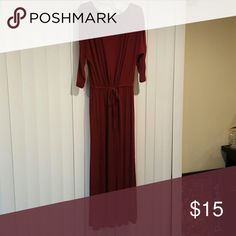 NWOT Modest Old Navy Maxi Never worn 3/4 sleeve maroon never worn old navy maxi. Old Navy Dresses Maxi