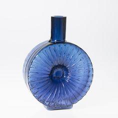 Glass Design, Design Art, Yves Klein Blue, Lassi, Modern Contemporary, Vodka Bottle, Glass Art, Retro Vintage, Perfume Bottles