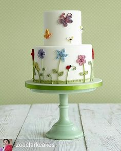 @Regrann from @zoeclarkcakes -  One of my fav quilling cakes #zoeclarkcakes #partycakesforkids #zoeclarkbooks #quillingcakes #Regrann
