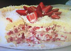 Aprenda a fazer um delicioso bolo de morango com suspiro (Foto: Reprodução/ RPC)