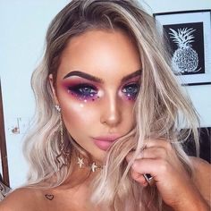 rhinestone eye makeup, Coachella makeup looks, festival make up, sparkly jewelry into your makeup lo Beautiful Halloween Makeup, Amazing Makeup, Gorgeous Makeup, Magical Makeup, Festival Make Up, Festival Looks, Coachella Make-up, Coachella Festival, Coachella Outfit Ideas
