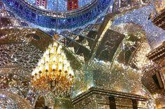 モスクがそのまま万華鏡に?イランのにある「シャー・チェラーグ廟 」が圧巻の美しさ | RETRIP
