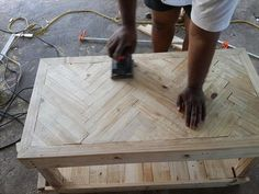 #Pallet Chevron Coffee Table: #DIY Tutorial | 99 Pallets