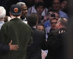 Bulls star Dwyane Wade led a chorus of current and past NBA players and other famous names Thursday who threw support behind former Knick Charles Oakley, a day after his arrest at Madison Square Garden following a physical confrontation with security.