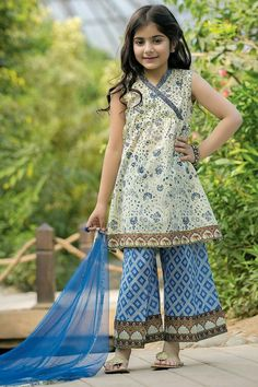 Looking for Dresses for kids ? Felame Choice Clothing is such Online Store that provides you Quality Dresses for Kids, designed by Designers. Contact us Now Girls Dresses Sewing, Dresses Kids Girl, Girl Outfits, Baby Dresses, Baby Dress Design, Frock Design, Maria B, Kids Party Wear, Kids Wear