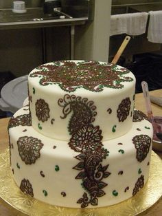 Two tier mehndi in chocolate and green
