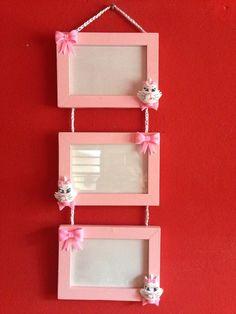 Peças em MDF decoradas com Biscuit com o tema , gata marie. Decoração para quarto de bebê .  Porta acessórios  Porta maternidade  Bandeja com 3 caixas  Porta retrato triplo .