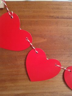 15 ideas to surprise your partner on Valentine's Day 1 3rd Year Anniversary Gifts, Anniversary Decorations, Valentines Day Decorations, Valentine Day Crafts, Love Valentines, San Valentin Ideas, Modern Christmas Ornaments, Dance Decorations, Valentine's Day Crafts For Kids
