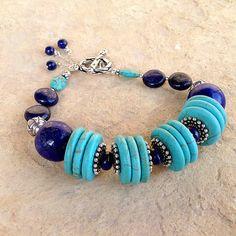 Pulsera de lapislázuli y turquesa azul marino por jewelrybycarmal
