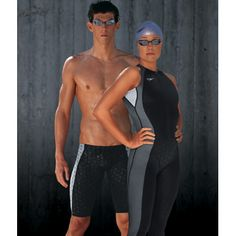 Siguiendo la estructura de la piel del tiburón.Speedo ha imitado dicho tejido y lo ha implantado en sus trajes de baño de competición