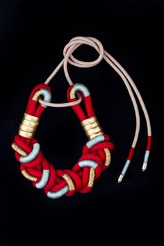 YSWARA FANI Jewellery Collection by Katherine- Mary Pichulik - SCHWESCHWE necklace - www.yswara.com