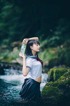 (3/3) 【写真】中学生に見えないタイとドイツのクォーター美少女「らるむ」さんがセーラー服で水遊び - KAI-YOU.net