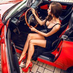 Great legs leaving car