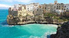 Polignano a mare (Bari) (Italia) Amazing Places On Earth, Beautiful Places To Visit, Cool Places To Visit, Places To Travel, Bari, Italy Vacation, Italy Travel, Southern Italy, Future Travel