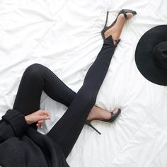 Minimal + chic + black - what's not to love?