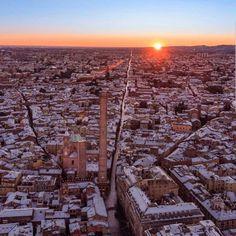 Bologna, Holiday Places, Paris Skyline, Facade, City Photo, Sweet Home, Sunset, Travel, Outdoor