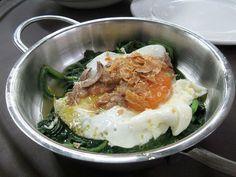 Huevos de granja con espinacas, foie de oca y trufa blanca de Alba